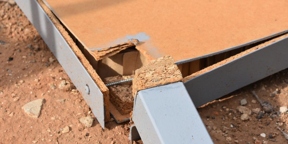 how to fix split wood table leg